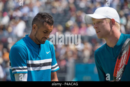 The Queen's Club, London, UK. 21 June, 2018. Day 4 of the Fever Tree Championships on centre court with Nick Kyrgios (AUS) vs Kyle Edmund (GBR). Credit: Malcolm Park/Alamy Live News. - Stock Photo