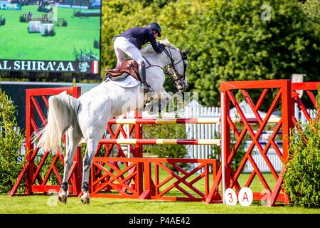 Michael Whitaker riding Flawless.  GBR. The Bunn Lesiure Tankard. CSI4*. The Al Shira'aa Hickstead Derby Meeting. Showjumping. The All England Jumping Course. Hickstead. West Sussex. UK. Day 2. 21/06/2018. - Stock Photo