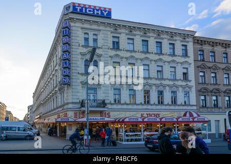 Vienna, ice cream parlor shop 'Tichy' at square Reumannplatz, 10. Favoriten, Wien, Austria - Stock Photo