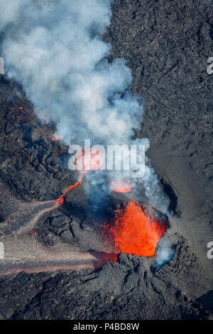 Volcano eruption at the Holuhraun Fissure near the Bardarbunga Volcano, Iceland. August 29, 2014, a fissure eruption started in Holuhraun at the northern end of a magma intrusion which had moved progressively north, from the Bardarbunga volcano. Picture date Sept 3, 2014. the - Stock Photo