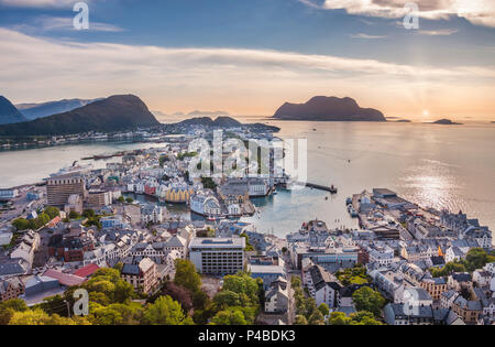Norway, Alesund City, Midnight sun, Aksla and Fjellstua lookout - Stock Photo