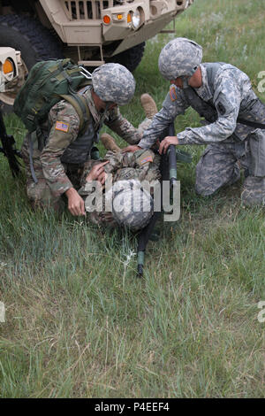 A U S  Soldier from the 1077th Medical Company (Ground