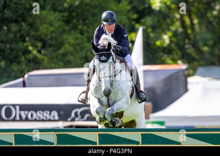 West Sussex, UK . 21st June, 2018. Michael Whitaker riding Flawless. GBR.  The Bunn Leisure Derby Tankard. The Al Shira'aa Hickstead Derby Meeting. Showjumping. The All England Jumping Course. Hickstead. West Sussex. UK. Day 2. 21/06/2018. Credit: Sport In Pictures/Alamy Live News - Stock Photo
