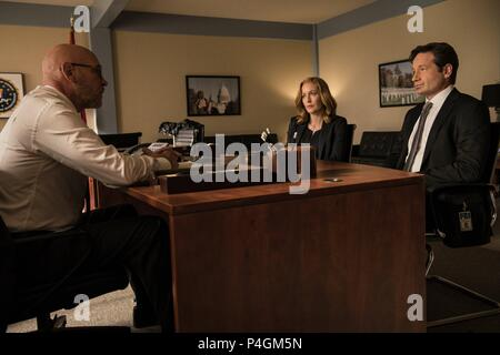 Original Film Title: X-FILES, THE.  English Title: X-FILES, THE.  Film Director: CHRIS CARTER.  Year: 2016.  Stars: DAVID DUCHOVNY; GILLIAN ANDERSON; MITCH PILEGGI. Credit: 20th CENTURY FOX TELEVISION/TEN THIRTEEN PRODUCTIONS / Album - Stock Photo