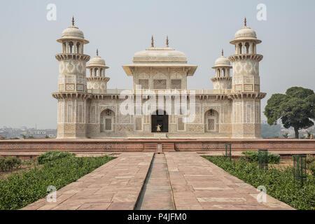 Itmad-Ud-Daulah's tomb in Agra, Uttar Pradesh, India. Also known as the Jewel Box or the Baby Taj - Stock Photo