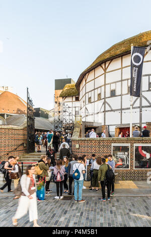 London. June 2018. A view of people outside the shakespere globe theatre in London. - Stock Photo