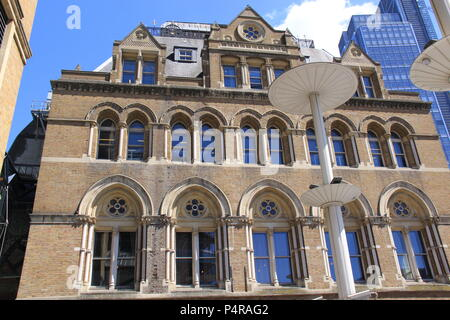 View outside of Liverpool Street Train Station, London, England, UK, PETER GRANT - Stock Photo
