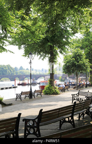 The Groves area on the north side of the beautiful River Dee, in Chester, Cheshire, NW England, UK - Stock Photo
