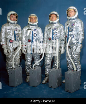 (13 April 1964) --- Left to right are astronauts John W. Young, Virgil I. Grissom, Walter M. Schirra Jr. and Thomas P. Stafford. Gemini III crew - Stock Photo