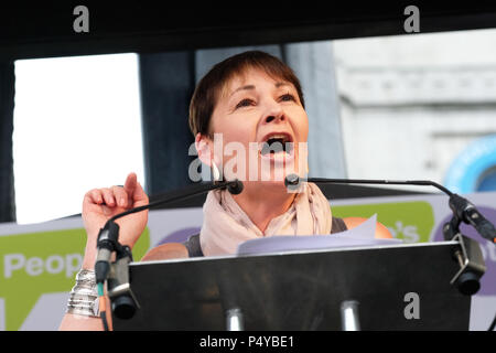 People's Vote, London, UK - 23rd June 2018. - Caroline Lucas joint leader of the Green Party speaks to the crowd at the People's Vote march gathered in Parliament Square, London to demand a second vote on the final Brexit deal - Steven May /Alamy Live News - Stock Photo