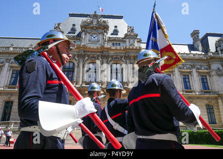 Lyon, France, June 23rd 2018: Firefighters from the 11th Battalion of French Fighters are seen at Rhone Prefecture, in Lyon (Central-Eastern France) on June 23, 2018, as they take part in the official ceremony of Presentation of this unit, chosen to defile at Cthe Champs Elysés, in Paris, on the occasion of the July 14th parade. Credit Photo: Serge Mouraret/Alamy Live News - Stock Photo