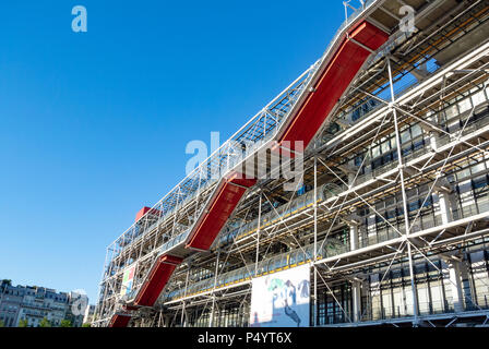 Centre Georges Pompidou also known as Pompidou Centre, Beaubourg district, 4th Arrondissement, Paris, IDF, France - Stock Photo