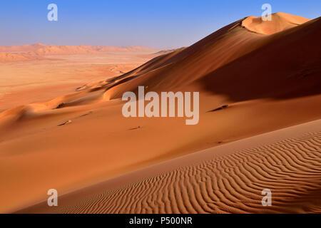 Oman, Dhofar, sand dunes in the Rub al Khali desert - Stock Photo
