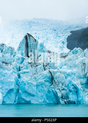 Argentina, Patagonia, El Calafate, Puerto Bandera, Lago Argentino, Parque Nacional Los Glaciares, Estancia Cristina, Spegazzini Glacier, iceberg - Stock Photo