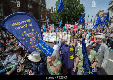 London, UK. 23rd June, 2018. The march is led by Tony Robinson, Gina Miller, Vince Cable and Anna Soubry amongst others - People's March for a People's Vote on the final Brexit deal.  Timed to coincide with the second anniversary of the 2016 referendum it is organised by anti Brexit, pro EU campaigners. Credit: Guy Bell/Alamy Live News - Stock Photo