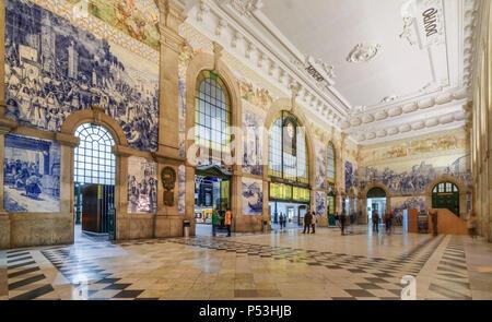 central hall with Azulejos,tile panels, train station Sao Bento,  Porto, Region Norte, Portugal, Porto, - Stock Photo