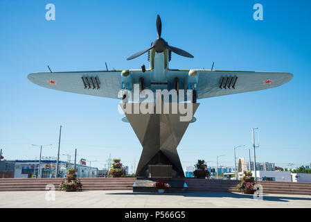Monument to the Il-2, who fought in world war II and installed in Samara Russia. On a Sunny summer day. - Stock Photo