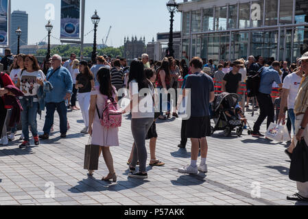 London, UK. 25th June 2018. UK Weather. Hot sun and sweltering heat in Central London. Credit: PQ Images/Alamy - Stock Photo