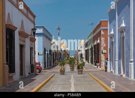 Narrow alley in the historic old town of Campeche, Mexico - Stock Photo
