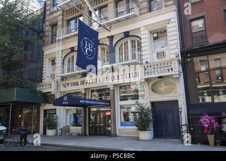Classic Greenwich Village building houses the New York Health & Raquet Club on E. 13th Street, Manhattan. - Stock Photo