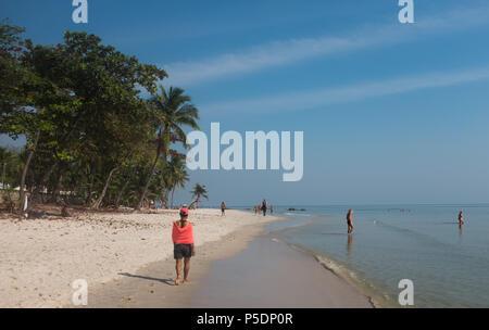 People on the beach, Prachuap Khiri Khan Province, Hua Hin, Thailand, Asia. - Stock Photo