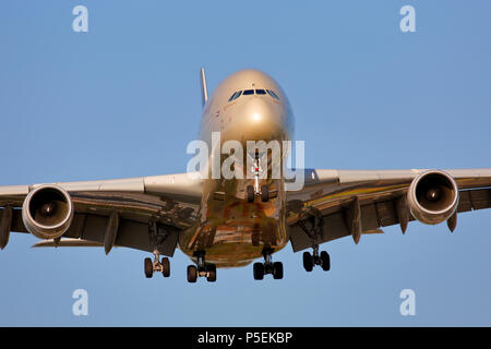 A6-APF Etihad Airways Airbus A380-800 on approach to London Heathrow 27L runway after a long haul flight from Dubai - Stock Photo