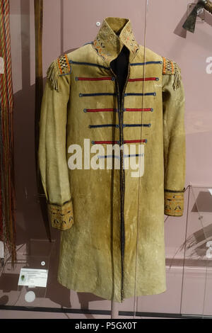 N/A. English: Exhibit from the Native American Collection, Peabody Museum, Harvard University, Cambridge, Massachusetts, USA. Photography was permitted without restriction; exhibit is old enough so that it is in the . 27 May 2017, 14:06:13. Daderot 536 European style coat, Iroquioian or Huron, collected in 1839 - Native American collection - Peabody Museum, Harvard University - DSC05811 - Stock Photo
