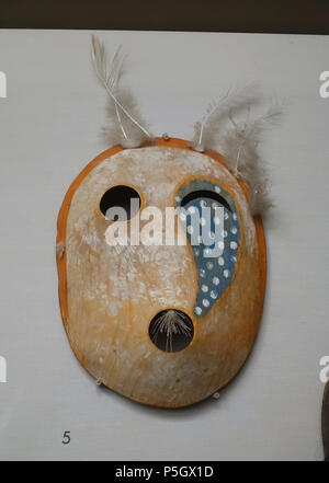 N/A. English: Exhibit from the Native American Collection, Peabody Museum, Harvard University, Cambridge, Massachusetts, USA. Photography was permitted without restriction; exhibit is old enough so that it is in the . 27 May 2017, 14:22:22. Daderot 409 Dance mask of tunghat, Southwest Alaska Eskimo, acquired 1915 - Native American collection - Peabody Museum, Harvard University - DSC05860 - Stock Photo