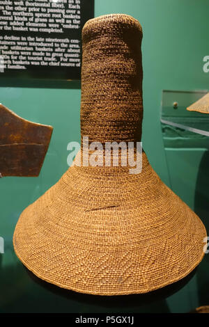 N/A. English: Exhibit from the Native American Collection, Peabody Museum, Harvard University, Cambridge, Massachusetts, USA. Photography was permitted without restriction; exhibit is old enough so that it is in the . 27 May 2017, 14:28:50. Daderot 175 Basketry hat cover, Tlingit, early 1800s - Native American collection - Peabody Museum, Harvard University - DSC05883 - Stock Photo