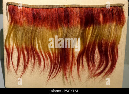 N/A. English: Exhibit from the Native American Collection, Peabody Museum, Harvard University, Cambridge, Massachusetts, USA. Photography was permitted without restriction; exhibit is old enough so that it is in the . 27 May 2017, 14:31:40. Daderot 365 Collar, Choctaw, dyed horsehair, before 1828 - Native American collection - Peabody Museum, Harvard University - DSC05888 - Stock Photo