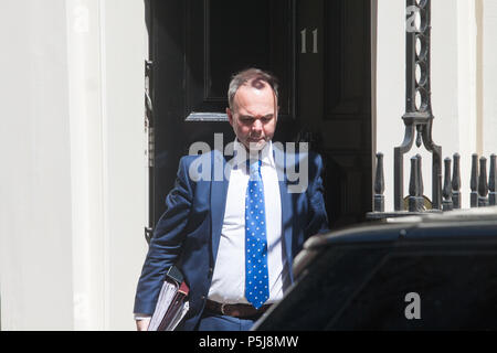 London UK. 27th June 2018. Downing Street Chief of Staff Gavin Barwell  departs  10 Downing Street to attend the weekly Prime Miminister Questions  at Parliament Credit: amer ghazzal/Alamy Live News - Stock Photo
