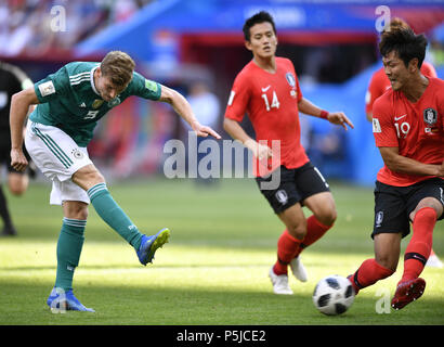 Kazan, Russia. 27th June, 2018. Timo Werner (L) of Germany shoots during the 2018 FIFA World Cup Group F match between Germany and South Korea in Kazan, Russia, June 27, 2018. Credit: Chen Yichen/Xinhua/Alamy Live News - Stock Photo