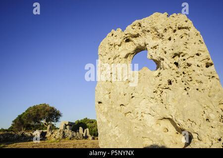 santuario de Taula, poblado prehistòrico de Talatí de Dalt, 1300 a.C, Maó. Menorca, Islas Baleares, España. - Stock Photo