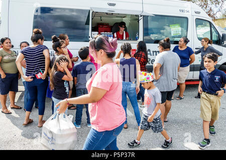 Florida LaBelle after Hurricane Irma storm aid assistance destruction aftermath disaster recovery relief Red Cross Disaster Relief volunteer food van - Stock Photo