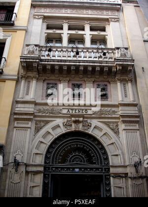 Edificio situado en la calle alcala antigua real casa for Hoteles en la calle prado de madrid