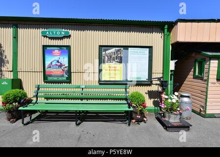 Alton station in Hampshire - Stock Photo