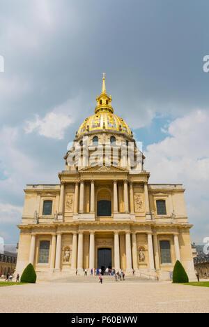 Dome des Invalides, final resting place of Napoleon I, Musee de l'Armée, Army Museum, Les Invalides, Paris, France - Stock Photo