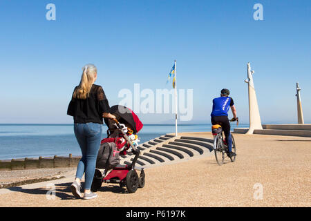 Cleveleys Lancashire.  28th Jun, 2018. UK Weather: Bright sunny start to the day on the coast as temperatures are again expected to peak at about 30C in the north-west resort. This modern promenade, accompanied by a natural beach, is located just a short walk from Cleveleys town centre, wuth this coastal retreat which is situated just four miles north of the bright lights of Blackpool.  Credit: MediaWorldImages/AlamyLiveNews. - Stock Photo