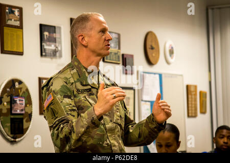 Lt. Col Seth Knazovich represented 1st Army at the 311th Yearly Training Brief to Maj. Gen. Mark Palzer, commanding general,79th Sustainment Support Command. Lt. Col Knazovich explains policies and training procedures for Army Reserve component Soldiers training with Active Duty units. April 2, 2016. Port Hueneme, Calif.  -US Army photo by SPC Timothy Yao - Stock Photo