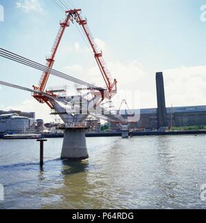 Construction of the Millennium Bridge, London, UK - Stock Photo
