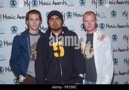 Group Lifehouse arrives at the My VH1 Music Awards at the Shrine Auditorium in Los Angeles Sunday, Dec. 3, 2001.           -            Lifehouse.jpgLifehouse  Event in Hollywood Life - California, Red Carpet Event, USA, Film Industry, Celebrities, Photography, Bestof, Arts Culture and Entertainment, Topix Celebrities fashion, Best of, Hollywood Life, Event in Hollywood Life - California, Red Carpet and backstage, ,Arts Culture and Entertainment, Photography,    inquiry tsuni@Gamma-USA.com ,  Music celebrities, Musician, Music Group, 2000 to 2009 - Stock Photo