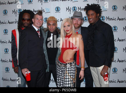 Gwen Stefani and No Doubt arrives at the My VH1 Music Awards at the Shrine Auditorium in Los Angeles Sunday, Dec. 3, 2001.           -            StefaniGwen&NoDoubt20.jpgStefaniGwen&NoDoubt20  Event in Hollywood Life - California, Red Carpet Event, USA, Film Industry, Celebrities, Photography, Bestof, Arts Culture and Entertainment, Topix Celebrities fashion, Best of, Hollywood Life, Event in Hollywood Life - California, Red Carpet and backstage, ,Arts Culture and Entertainment, Photography,    inquiry tsuni@Gamma-USA.com ,  Music celebrities, Musician, Music Group, 2000 to 2009 - Stock Photo