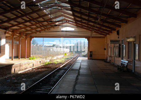 The Great Western Railway. Frome station. View through station looking towards Weymouth [ located on single line loop off main Paddington - Plymouth r - Stock Photo