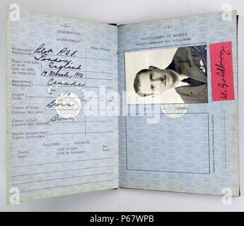 Canadian Passport issued to a British Royal Air Force pilot to permit ease of entry to Canada in order to ferry frequent VIP passengers and new aircraft - Stock Photo