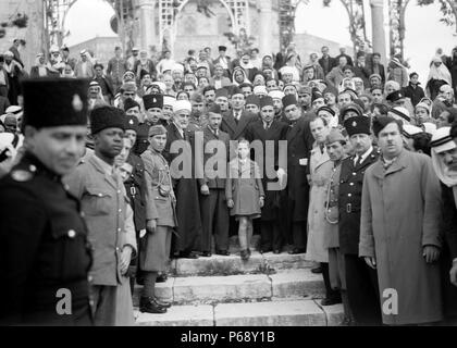 Photograph of Faisal II (1935-1958) the last King of Iraq visiting the holy mosques in Jerusalem. He was murdered during the July Revolution together with numerous members of his family. Dated 1945 - Stock Photo