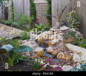 A do it yourself disappearing fountain and zen garden provides for a a do it yourself disappearing fountain and zen garden provides for a backyard oasis solutioingenieria Image collections