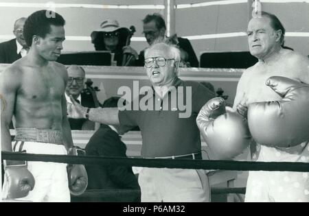 Sugar Ray Leonard, Micky Rooney, Bob Hope 1979 Photo By John Barrett-PHOTOlink.net / MediaPunch - Stock Photo
