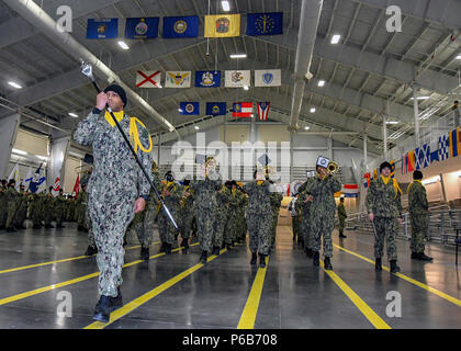 GREAT LAKES, Ill.  (Dec. 14, 2017) The recruit Navy band marches during boot camp graduation practice Dec. 14, 2017, at Midway Ceremonial Drill Hall, Recruit Training Command. The drill hall staff is responsible for directing the weekly Pass-in-Review ceremony, which takes place in front of 2,000-5,000 guests at the Navy's only boot camp. Between 30,000-40,000 recruits graduate annually from the Navy's only boot camp.  (U.S. Navy photo by Susan Krawczyk/Released) - Stock Photo
