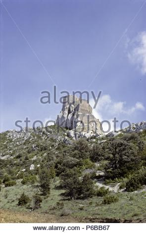 The last redoubt of the heretic Cathars, near the town of Beaucaire, Languedoc,France. The Cathars were besieged and annihilated in 1644 by Raymond VII of Toulouse and Simon de Beaufort, who died during the Crusades. Location: Beaucaire, Beaucaire, France. - Stock Photo