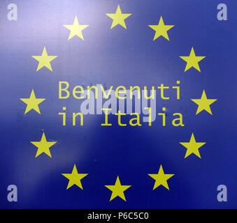 Ahlbeck, Germany - shield Benvenuti in Italia with the stars of the European Union - Stock Photo